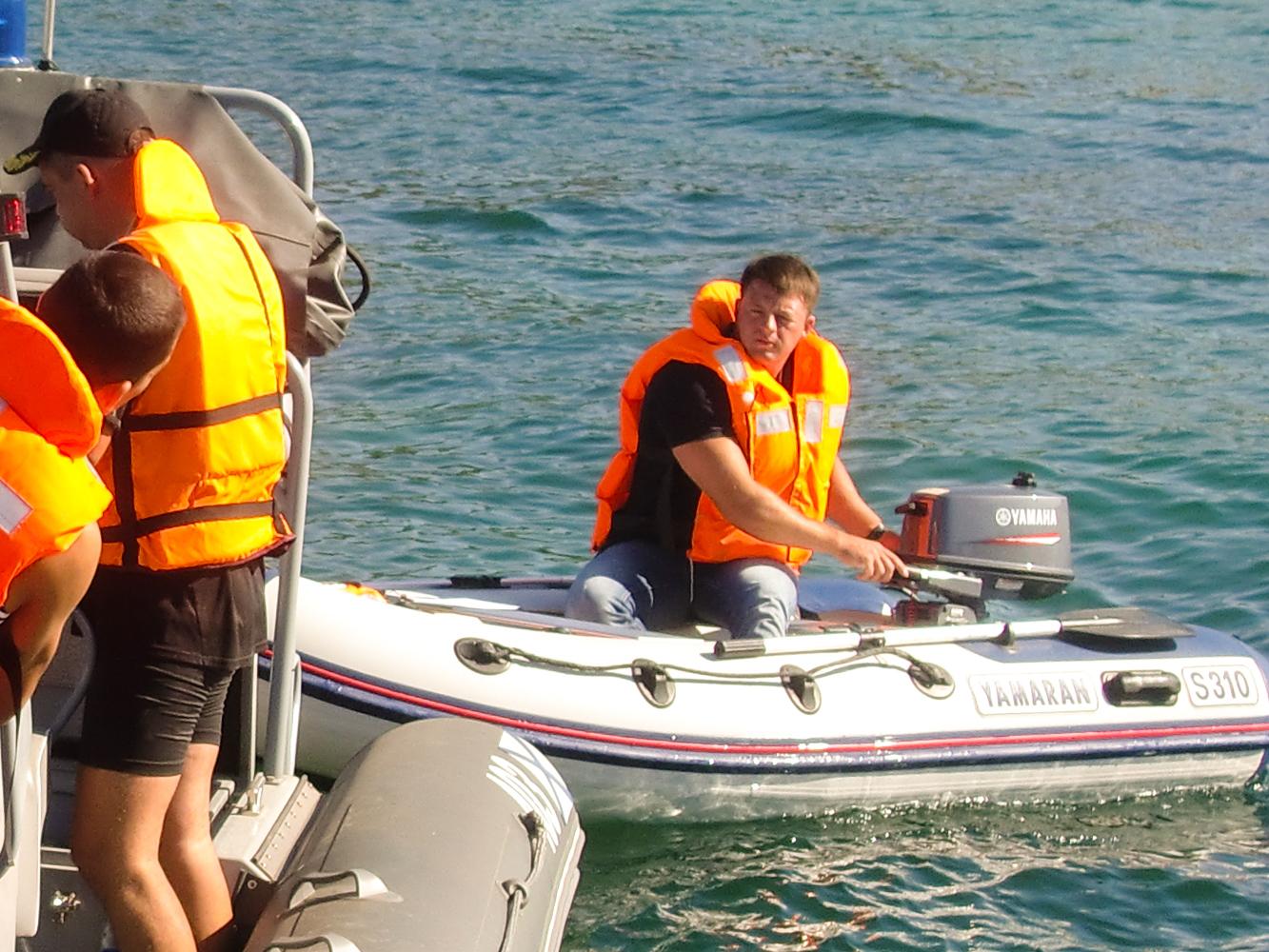 Обучение управлению моторной лодкой в Севастополе